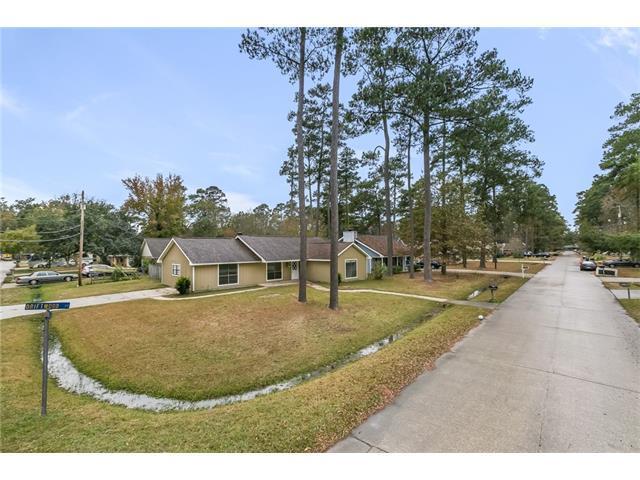 201 Driftwood Street, Mandeville, LA 70448 (MLS #2135426) :: Turner Real Estate Group