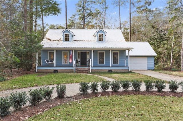 20 Riverbend Drive, Covington, LA 70433 (MLS #2135497) :: The Robin Group of Keller Williams