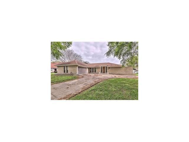4 Chateau Magdelaine Drive, Kenner, LA 70065 (MLS #2138021) :: Turner Real Estate Group