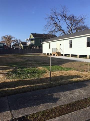 10TH Street, Gretna, LA 70053 (MLS #2140845) :: Crescent City Living LLC