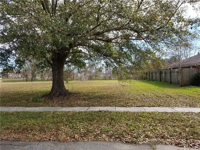 1925 Mehle Street, Arabi, LA 70032 (MLS #2141832) :: The Robin Group of Keller Williams