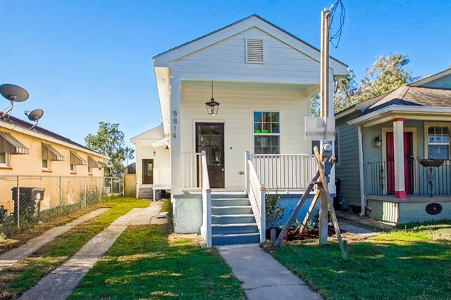 8814 Palm. Street, New Orleans, LA 70118 (MLS #2142206) :: Turner Real Estate Group