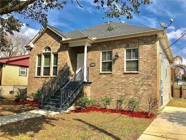2410 Lauradale Drive, New Orleans, LA 70114 (MLS #2142253) :: Crescent City Living LLC