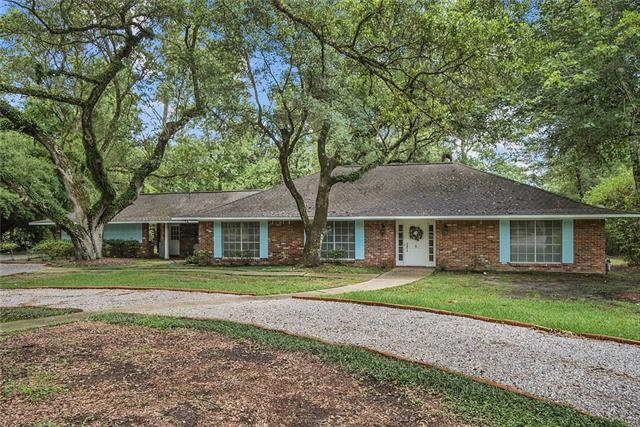 9 Oaklawn Drive, Covington, LA 70433 (MLS #2142316) :: Turner Real Estate Group