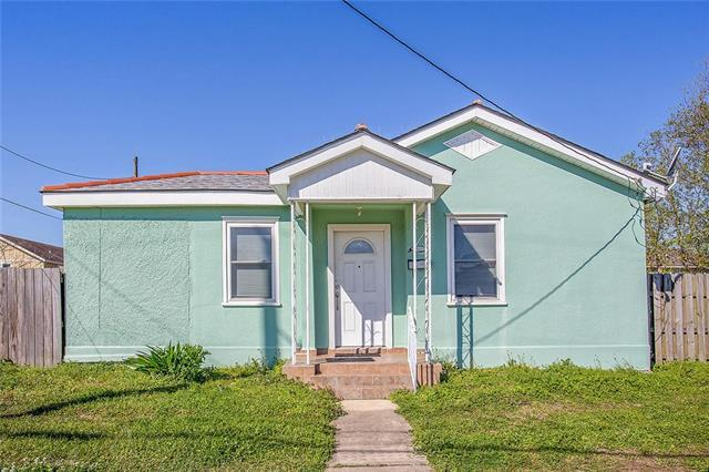 6000 Wilton Drive, New Orleans, LA 70122 (MLS #2145621) :: Crescent City Living LLC