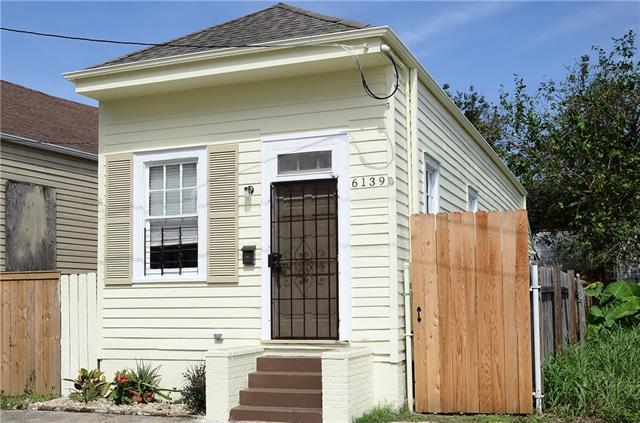 6139 Chartres Street, New Orleans, LA 70117 (MLS #2145915) :: Crescent City Living LLC