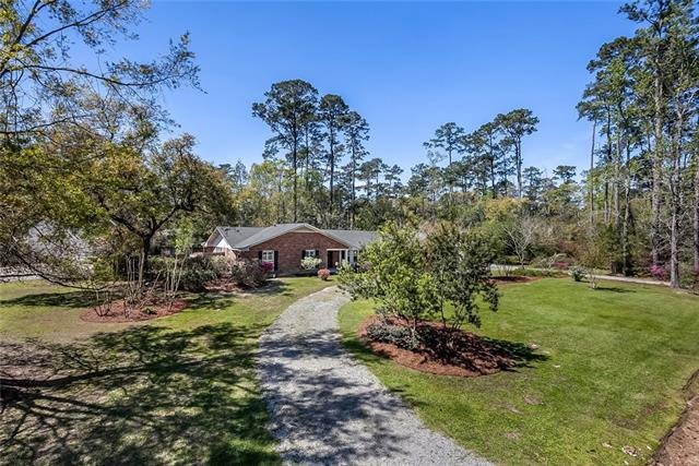 2 Lake Forest Drive, Covington, LA 70433 (MLS #2145995) :: Watermark Realty LLC