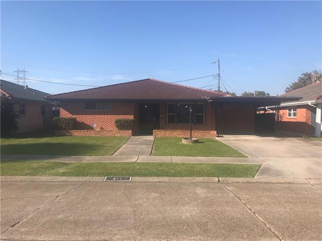 211 Willow Drive, Gretna, LA 70053 (MLS #2146125) :: Crescent City Living LLC