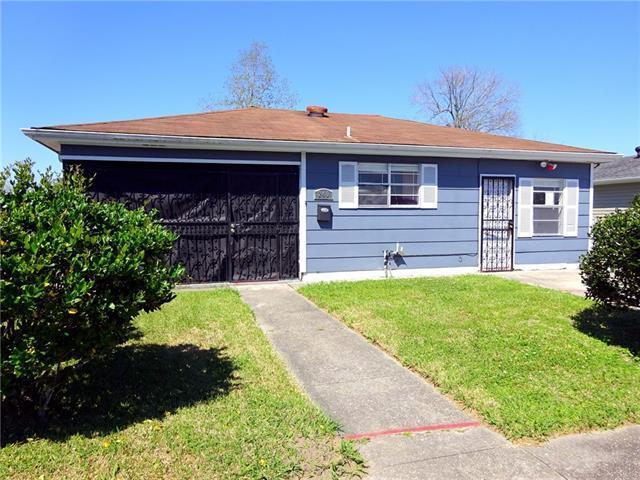 240 Bishop Drive, Avondale, LA 70094 (MLS #2146942) :: Amanda Miller Realty