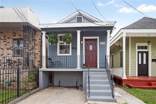 526 4TH Street, Gretna, LA 70053 (MLS #2146979) :: Crescent City Living LLC