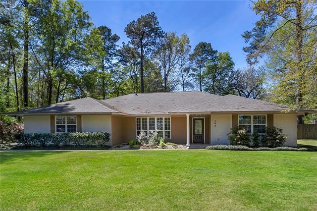103 Cherrylaurel Drive, Covington, LA 70433 (MLS #2147809) :: Crescent City Living LLC