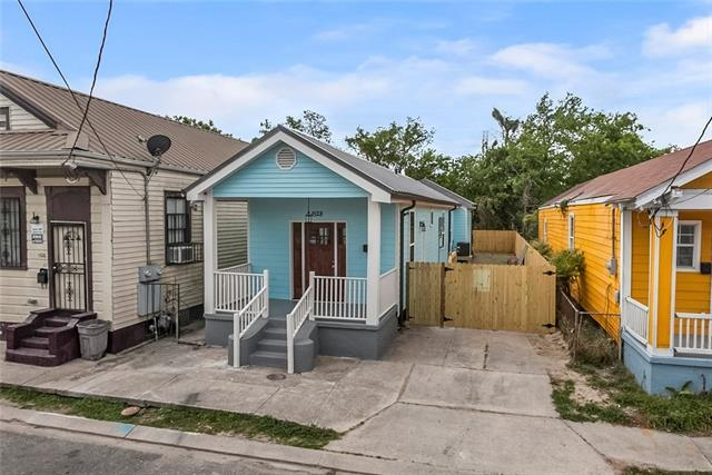 1528 Clouet Street, New Orleans, LA 70117 (MLS #2148457) :: The Robin Group of Keller Williams