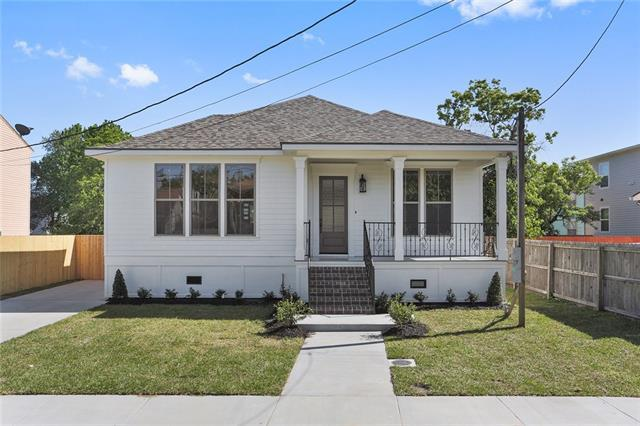 2254 Madrid Street, New Orleans, LA 70122 (MLS #2148594) :: Barrios Real Estate Group