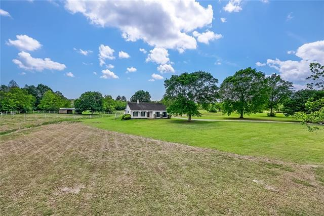 15082 Lydia Normand Drive, Covington, LA 70435 (MLS #2148730) :: Parkway Realty