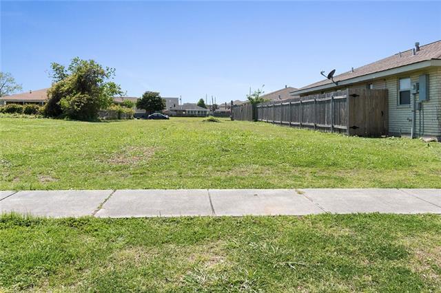 8308 Sabre Drive, Chalmette, LA 70043 (MLS #2149101) :: Amanda Miller Realty