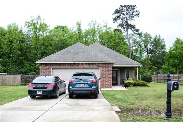 21317 E Beau Chateau Boulevard, Ponchatoula, LA 70454 (MLS #2149743) :: Turner Real Estate Group