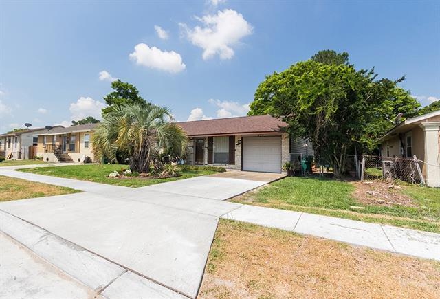424 Willowbrook Drive, Terrytown, LA 70056 (MLS #2149805) :: Crescent City Living LLC