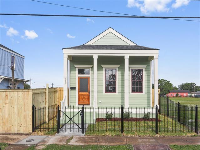 920 Reynes Street, New Orleans, LA 70117 (MLS #2149806) :: Barrios Real Estate Group