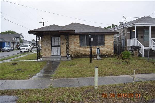 3601 N Robertson Street, New Orleans, LA 70117 (MLS #2150561) :: Barrios Real Estate Group