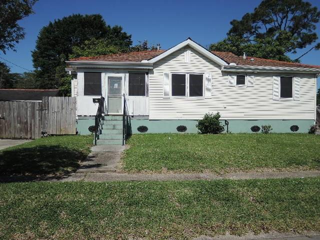 10 Helen Avenue, Jefferson, LA 70121 (MLS #2150995) :: Parkway Realty