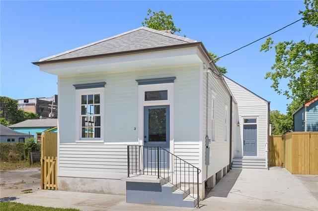 6315 Alhambra Street, New Orleans, LA 70117 (MLS #2151362) :: Barrios Real Estate Group