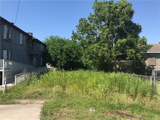 4117 N Johnson Street, New Orleans, LA 70119 (MLS #2151451) :: Barrios Real Estate Group