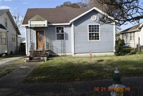 3918 Clermont Drive, New Orleans, LA 70122 (MLS #2151513) :: Barrios Real Estate Group