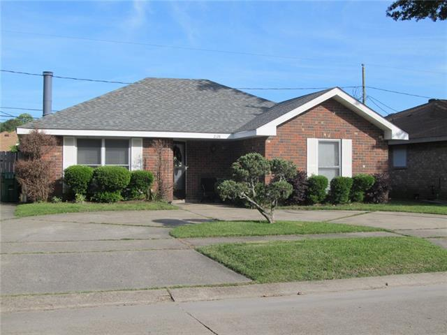 2128 Williamsburg Drive, La Place, LA 70068 (MLS #2151527) :: Crescent City Living LLC