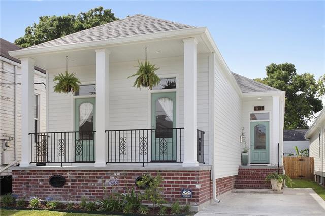 517 S Pierce Street, New Orleans, LA 70119 (MLS #2151630) :: Barrios Real Estate Group