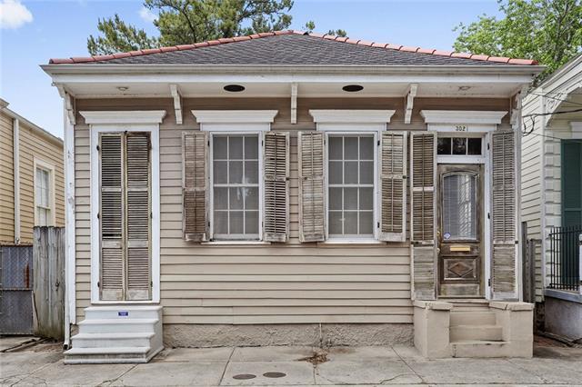 3021 Annunciation Street, New Orleans, LA 70115 (MLS #2151983) :: Parkway Realty