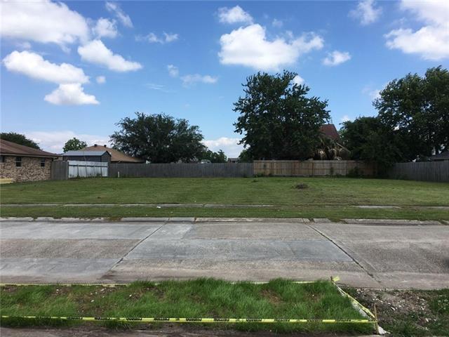8325 Creole Drive, Chalmette, LA 70043 (MLS #2152044) :: The Robin Group of Keller Williams