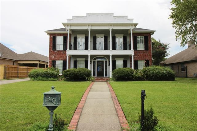 118 Country Manor Road, Belle Chasse, LA 70037 (MLS #2152291) :: Crescent City Living LLC