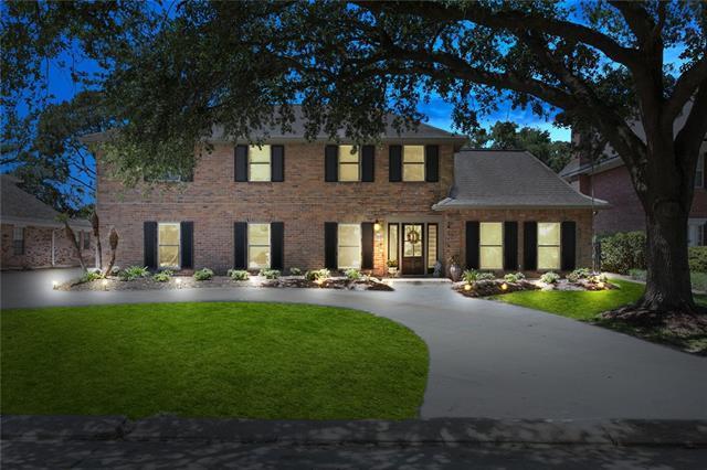 7 Chateau Du Jardin Drive, Kenner, LA 70065 (MLS #2152464) :: Crescent City Living LLC