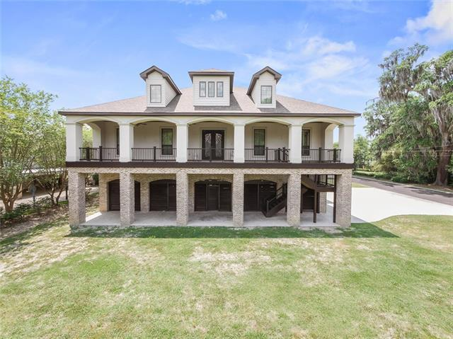 800 Copal Street, Mandeville, LA 70448 (MLS #2153494) :: The Robin Group of Keller Williams