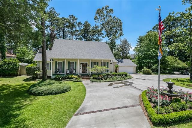 660 Beau Chene Drive, Mandeville, LA 70471 (MLS #2154049) :: Turner Real Estate Group