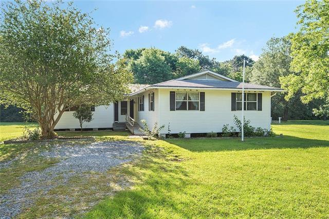 201 Quail Run, Pearl River, LA 70452 (MLS #2154431) :: The Robin Group of Keller Williams