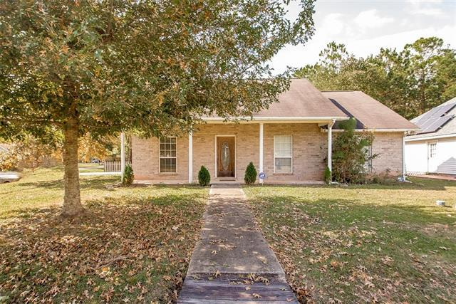 70105 10TH Street, Covington, LA 70433 (MLS #2154515) :: The Robin Group of Keller Williams