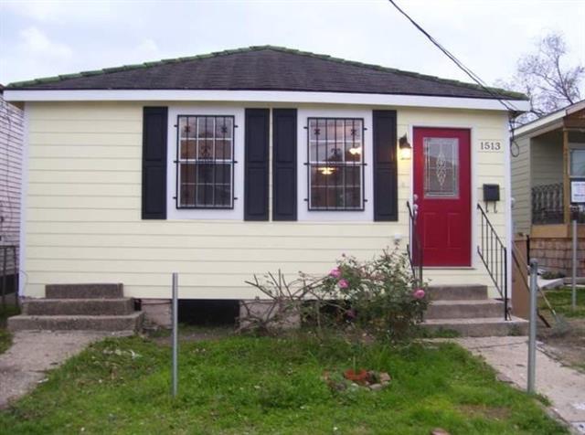 1513 Spain Street, New Orleans, LA 70117 (MLS #2154532) :: The Robin Group of Keller Williams