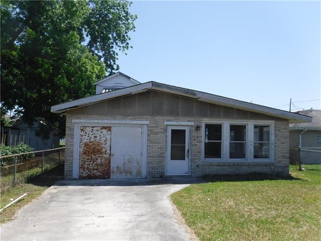 930 Madison Street, Gretna, LA 70053 (MLS #2154804) :: Crescent City Living LLC