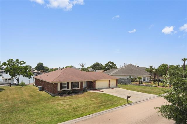 407 Eden Isles Boulevard, Slidell, LA 70458 (MLS #2154956) :: Turner Real Estate Group