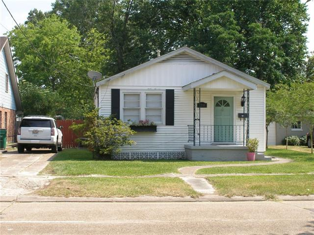 3208 W Metairie N Avenue, Metairie, LA 70001 (MLS #2154969) :: Crescent City Living LLC