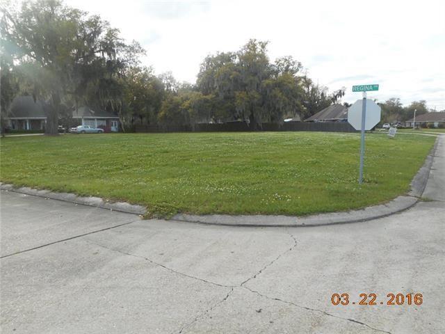 140 Regina Drive, Belle Chasse, LA 70037 (MLS #2155268) :: Crescent City Living LLC