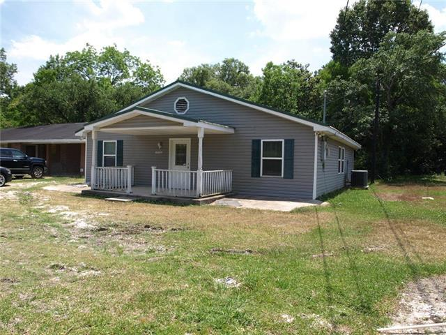 20186 Highway 22 Highway, Ponchatoula, LA 70454 (MLS #2155662) :: The Robin Group of Keller Williams