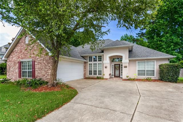 1330 Woodmere Drive, Mandeville, LA 70471 (MLS #2156103) :: Parkway Realty