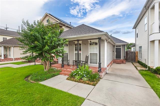 213 Amelia Street, Gretna, LA 70053 (MLS #2156113) :: Crescent City Living LLC