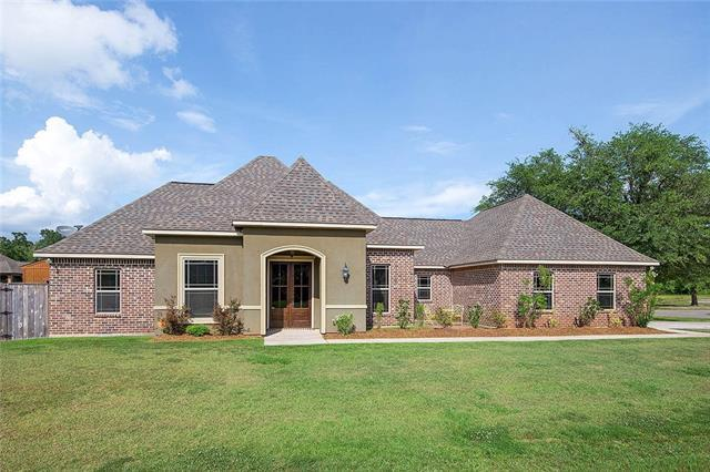 39372 Pass Manchac Lane, Ponchatoula, LA 70454 (MLS #2156149) :: The Robin Group of Keller Williams