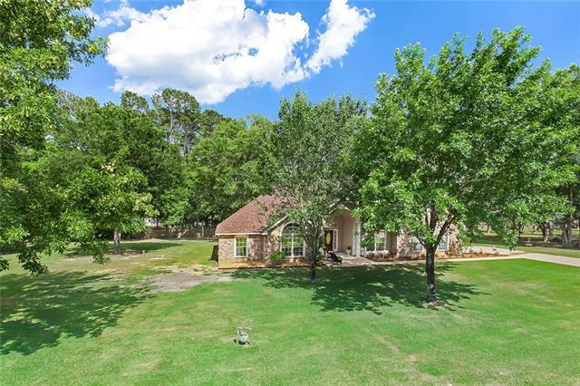 113 Pine Oaks Court, Madisonville, LA 70447 (MLS #2156283) :: Watermark Realty LLC