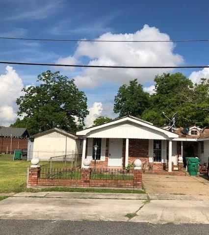 1337 Theard Street, Gretna, LA 70053 (MLS #2156287) :: Crescent City Living LLC