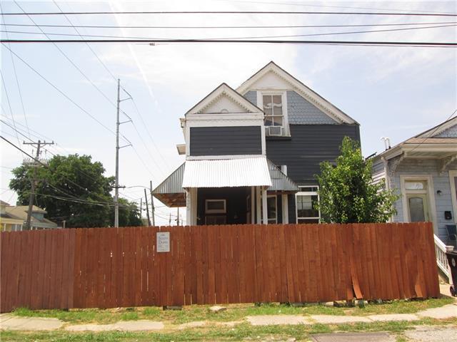 435 S Dupre Street, New Orleans, LA 70119 (MLS #2156405) :: Crescent City Living LLC