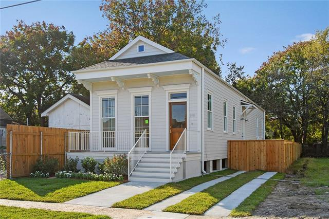 5466 Royal Street, New Orleans, LA 70117 (MLS #2156697) :: Crescent City Living LLC